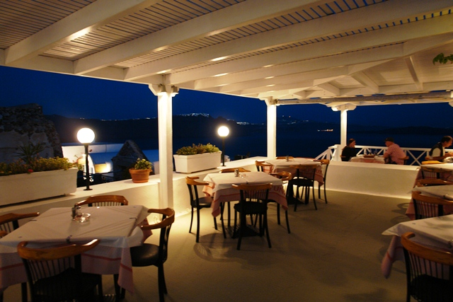 neptune restaurant oia santorini kykladen griechenland. Black Bedroom Furniture Sets. Home Design Ideas
